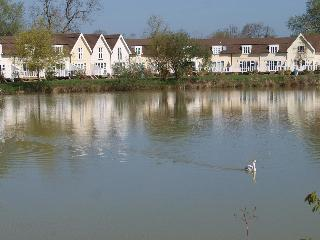 A Stunning Lakeside Lodge - Cotswolds - Cirencester vacation rentals