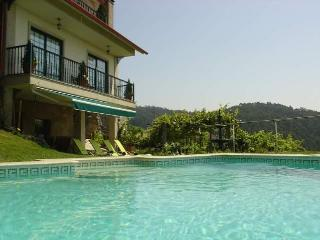 O Mirrador, villa with pool. Amazing views. - Galicia vacation rentals