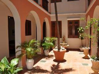 Patio Apt. in the Heart of Historic City, sleeps 4 - Image 1 - Espanola - rentals
