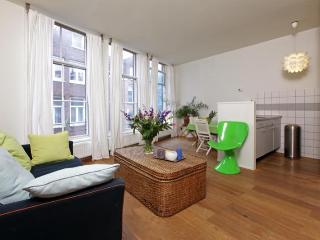 Amorevole: 1 bedroom apartment in Red Light area - Amsterdam vacation rentals