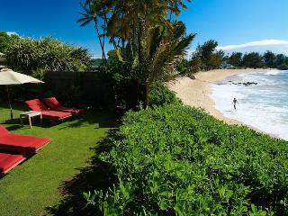 3 Bedroom Beachfront Villa - Paia vacation rentals