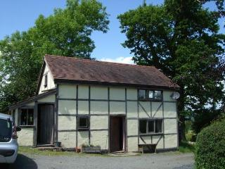The Dortry, detached self-catering country cottage - Llandrindod Wells vacation rentals