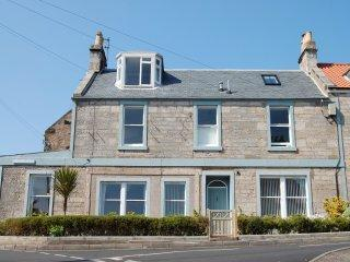 Sea Stocks - Spacious apartment close to the shore - Image 1 - Anstruther - rentals