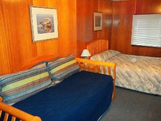2 Bedroom Edgewater Cabin, Sleeps 8 - Netarts vacation rentals