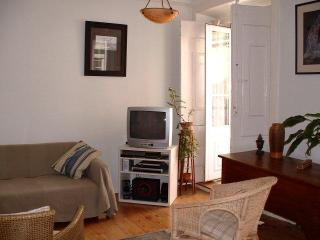1 bdr Lisbon Santos design dist historic center - Lisbon vacation rentals