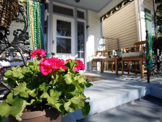 3Br Uptown! Historic home near Audubon Park (Sleeps 6-8) - New Orleans vacation rentals