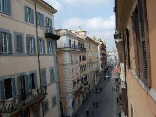 Corso Enchanting Apartment - Rome vacation rentals