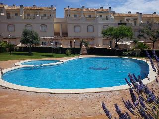 Lovely Ground Floor Apartment w/INTERNET & SWPool - Gran Alacant vacation rentals