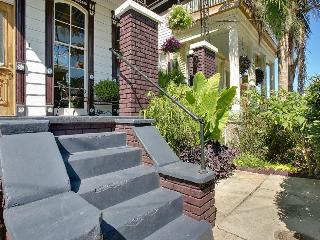 Impeccably Renovated Luxury Cottage w/Jacuzzi - New Orleans vacation rentals