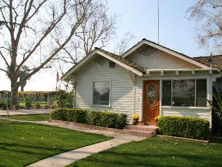 Farm Home near Sequoia National Park, sleeps 10 - Ivanhoe vacation rentals