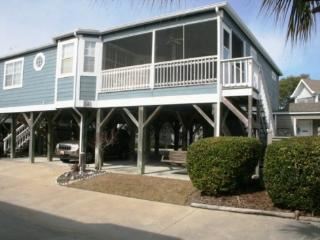 Awesome Family Vacation Cottage. Just steps to the Beach - Myrtle Beach vacation rentals