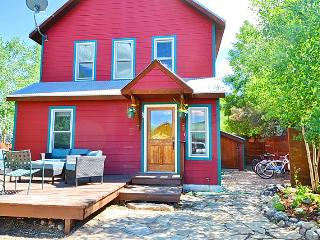$250/Nt! In town! Sunny! Pets!  Deck! Slps 6-8! - Crested Butte vacation rentals