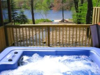 Lakefront Getaway, Mid week specials, Hot Tub - Bushkill vacation rentals