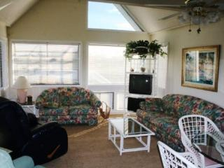 Great Family Vacation Condo 1 Block to Beach - Myrtle Beach vacation rentals