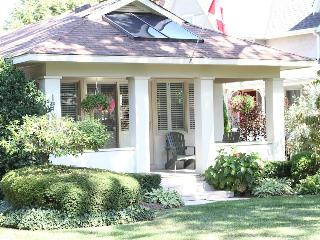 Steps away from golf, main street & the lake!! - Niagara-on-the-Lake vacation rentals