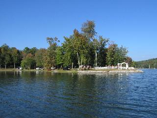 Oak Point on Watts Bar Lake, TN - Watts Bar Dam vacation rentals
