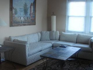 4 Level Family home with private pool - Oxon Hill vacation rentals