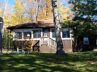 Eagles Nest a lovely lakeside standing log cabin - Eagle River vacation rentals