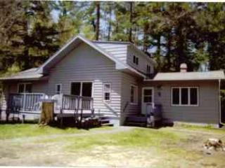3 Bedroom Lakeside end of road Northwoods retreat - Eagle River vacation rentals