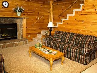 Holly Creek Chalet at Dale Hollow Lake - Royal vacation rentals