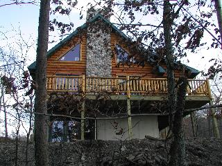 Gorgeous Log Cabin-Near Raystown Lake & Boat Ramp - Huntingdon vacation rentals