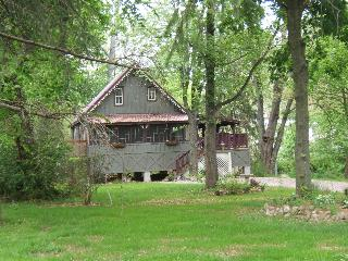 Waterfront - Heart of Amish & Antique Country - Leola vacation rentals