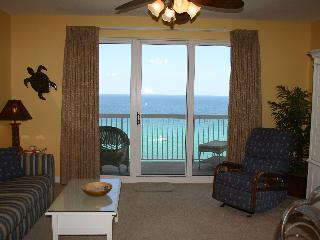 Free Beach Service KING/BR - Save $150/wk in April - Panama City Beach vacation rentals