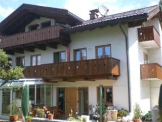 Vacation Apartment in Garmisch-Partenkirchen - 592 sqft, newly furnished, comfortable, relaxing (# 2636) - Bavarian Alps vacation rentals