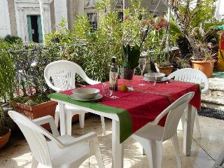 Beautiful, large flat Families & Groups - 8 beds ! - Rome vacation rentals