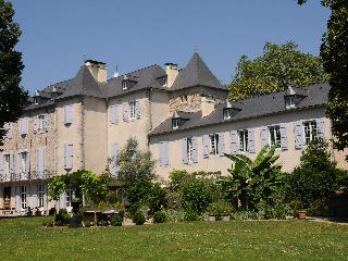 Chambres d'hotes in beautiful Chateau de Lamothe - Moumour vacation rentals