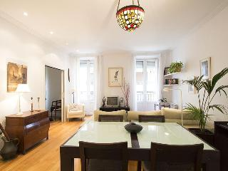2 room designer apartment with sea views. - San Sebastian - Donostia vacation rentals