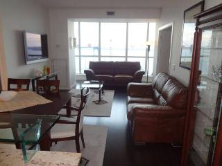 Expansive Fully-Furnished Two Bedroom Luxury Unit - Toronto vacation rentals