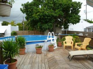Charming Villa Close to the Beach and Downtown - Hollywood vacation rentals