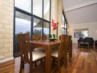 Swan View Luxury House, Ardross - Perth vacation rentals