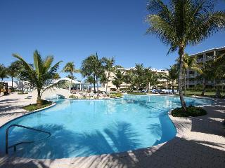 Best Value in Grace Bay 1 bedroom Studio Condo - Providenciales vacation rentals