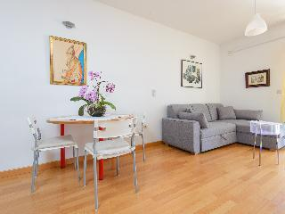 Cosy flat in a new building with parking in garage - Dubrovnik vacation rentals
