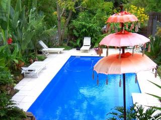 Plantation Cottages 15 mins from Byron Bay - Sippy Downs vacation rentals