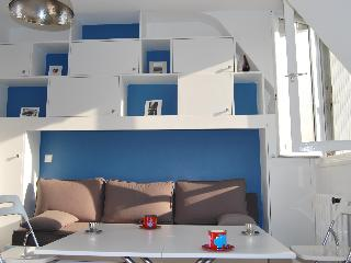 Cozy redone studio close to Eiffel Tower - 7th Arrondissement Palais-Bourbon vacation rentals