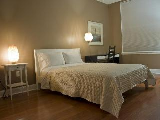 2bed/2bath condo 15 mins from NY Times Sq. - Union City vacation rentals