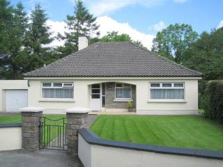 4 Bedroomed Detached House 1/2 mile from Kenmare - Kenmare vacation rentals