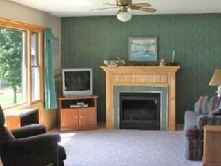 2 Bedroom 2 Bath Lake Home (3) - Birchwood vacation rentals