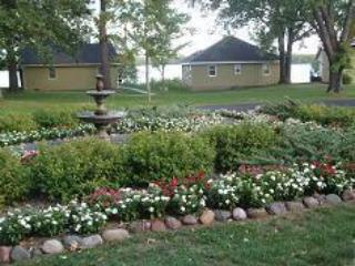 2 Bedroom 2 Bath Non-Lakeside (11) - Birchwood vacation rentals