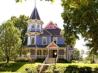 Historic Hutchinson House B&B - Faribault vacation rentals