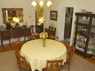 Country Charm Historic Farmhouse Bed and Breakfast - Paris vacation rentals