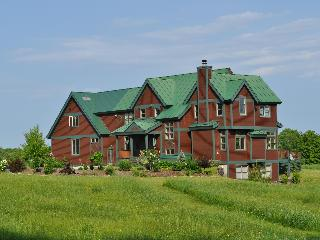 5 Bdrm in central Vermont with Spectacular Views! - East Wallingford vacation rentals