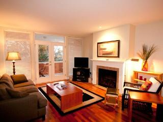 THE VESUVIUS VILLAS Suite 8 - Salt Spring Island vacation rentals