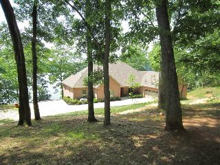 Luxury Home w/ Panoramic Views of  Watts Bar Lake - Knoxville vacation rentals