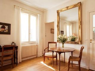 Duplex Apartment between Montmartres and Opera - Paris vacation rentals