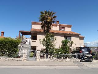 A lovely apartment close to Pula's city center - Pula vacation rentals