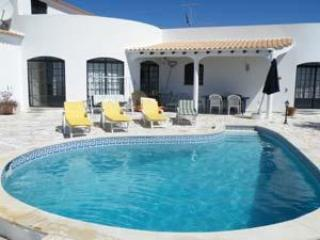 luxury 3 bed villa, private pool, BBQ, A/C, sat TV - Image 1 - Tavira - rentals